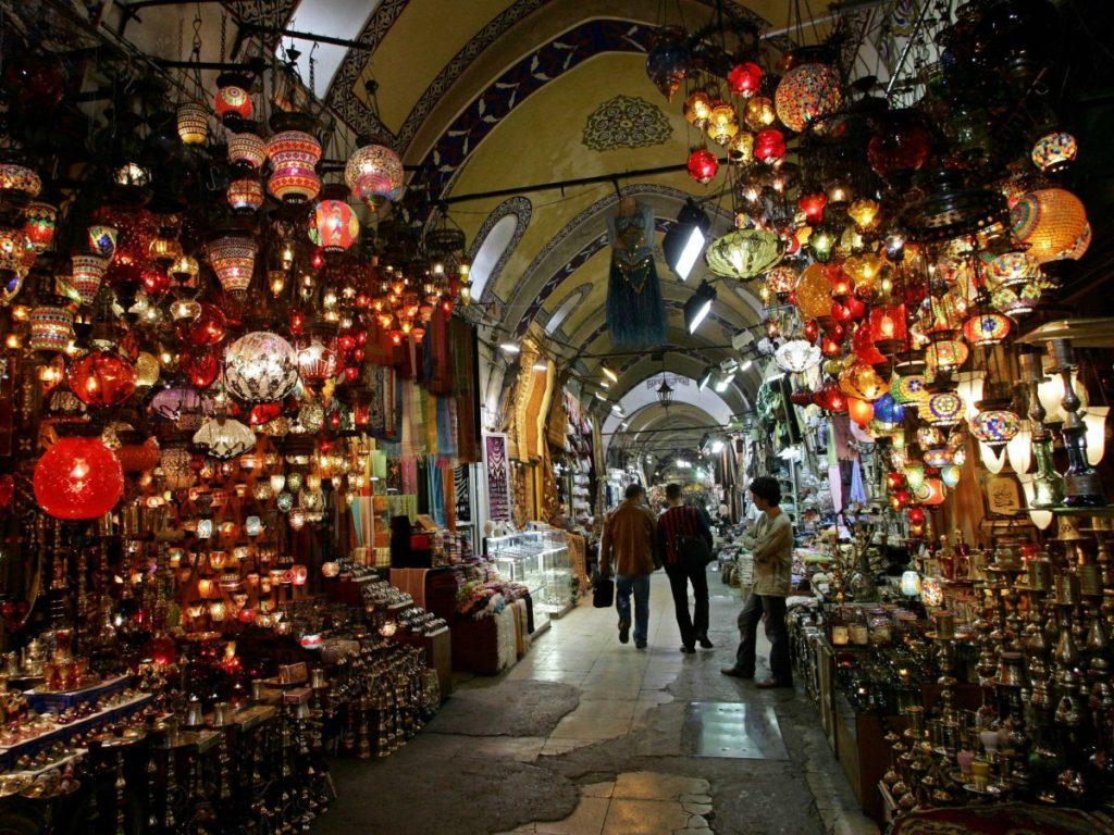 Где недорого отдохнуть в новогодние праздники за границей